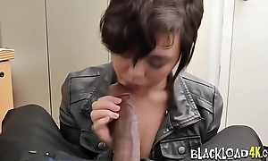 Short haired slut receives her tunnel of love strong the ocean drilled by horny commander