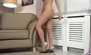Blond Babe Dixie Adulate Has Amazing Special