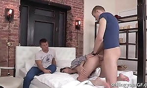 Teen babe fucked forward her cuck bf