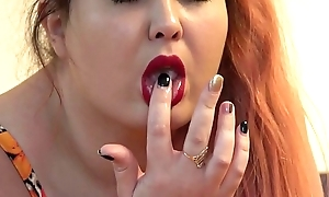 The rubber dick fucked three of my holes, the red-haired fat laddie masturbates on the bed on every side anal orgasm.