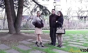 Julie et Siham deux cochonnes se rencontrent herd une baise sauvage