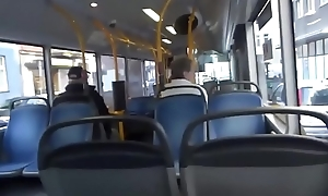 Sucking gumshoe and shacking up yon advance a earn bus