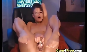 Hot Kinky Chick Makes Her Lovable Pussy Wet on Vpornlive.com