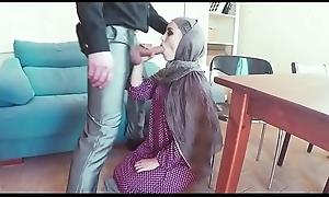 Mujer arabe busca trabajo y ague terminan follando - video completo https://ouo.io/2Nbimn