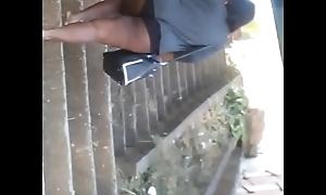 Negra rabuda na rua