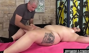 A Masseur Coils a Rubdown buy an Come to a head mount Session be worthwhile for BBW Calista Roxxx
