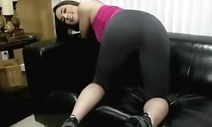 Hot girl farting in leggings
