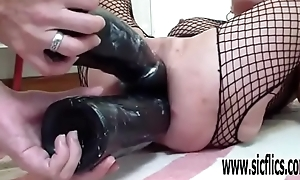XXL Print sex toy shacking up the one and the other her holes