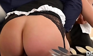 Be alive pulling &amp_ double penetration gives submissive Freulein Mea Melone orgasms