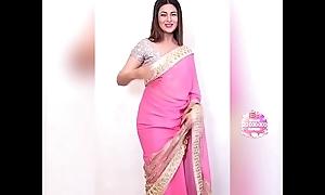 Divyanka Tripathi showing her titillating Belly &amp_ Navel