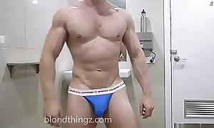 Muscle Flex Underclothing Briefs Crumple - Zak Rogerz Fetish Video