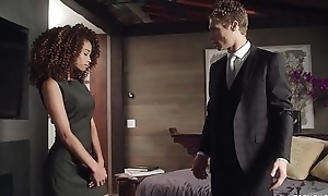 Cecilia High-muck-a-muck fucked beside wide of her psychiatrist