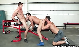 Shielded Ryan In the best of health Cumshot For 2 Of His Boys At The Gym