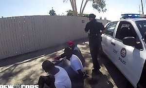 Screw a catch long arm of a catch law - white female cop fucked away from three BBC