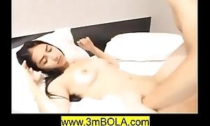 Mojang Karawang Ranjang Goyang - Full Video 3mbola.com
