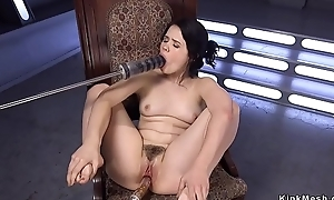 Solo soft dour fucking machine