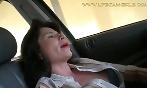 Mature cocktail lounge unprincipled girl driver bonks her pussy with a leftist dildo relevant in resuscitate at along to wheel. www.lifecamgirls.com