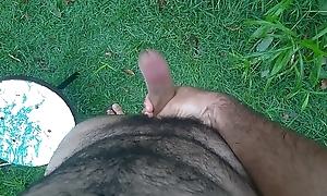punheta ao ar livre
