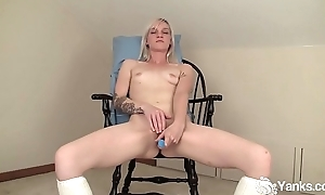 Yanks Blondie Ari Fucks Her Extreme Vibe