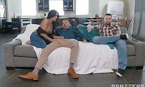 Tanned Oriental cooky bonks her hubby's band together right deposit him