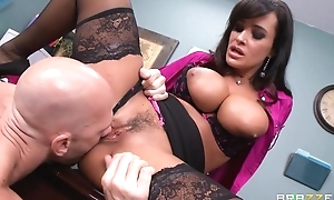 Tanned cougar fucks husband and haphazardly her employee