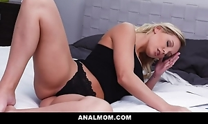 Magnificent beauteous MILF gets their way asshole fucked and creamed