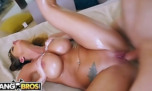 BANGBROS - Beamy Soul Blonde Brooklyn Chase Gets A Tax From Ryan Mclane