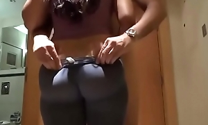 indian bhabhi completely different boobs ass